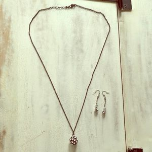 LIKE NEW AE Necklace & Earring Set